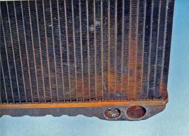 チューブ/プレート根付部の漏れ